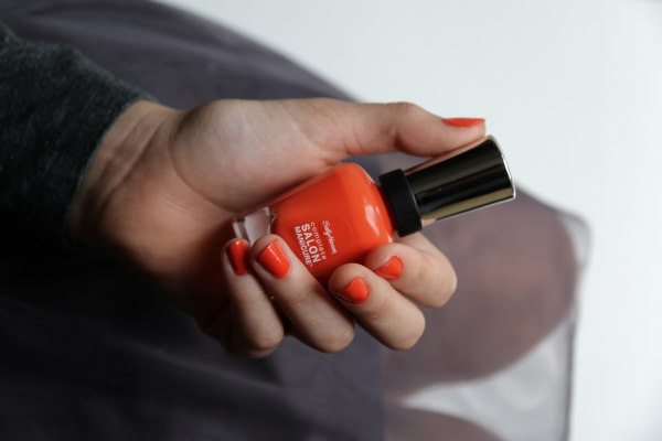 NailPolish.co.uk Sally Hansen Firey Island