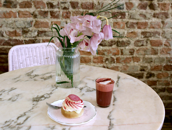 Palm Vaults cafe Hackney semla red velvet latte