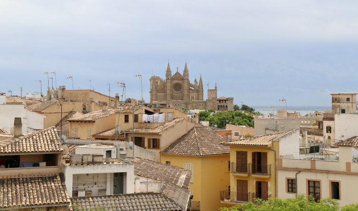 Palma Majorque Majorca Balearic view of the cathedral from es baluard