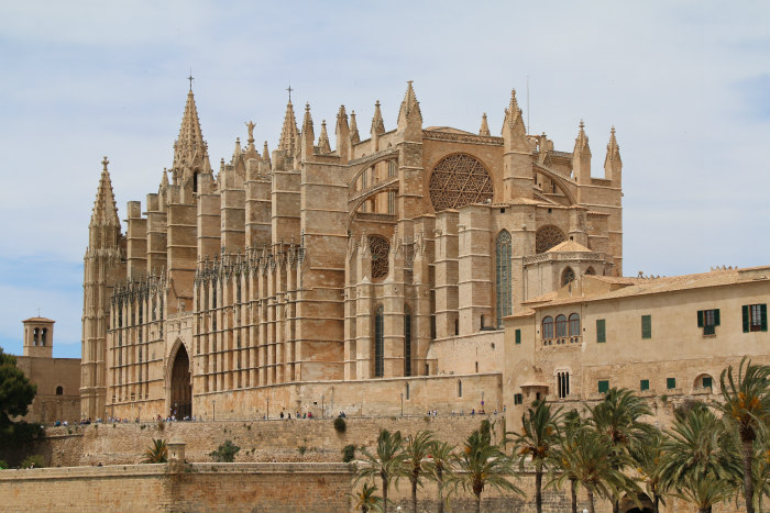 Palma Majorque Majorca Balearic cathedral from the seafront