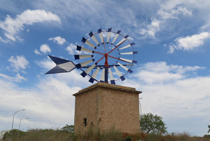 Palma Majorque Majorca Baleric islands windmill sculpture