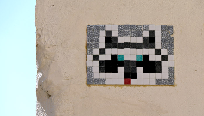 belleville paris street art rue des cascades space invader